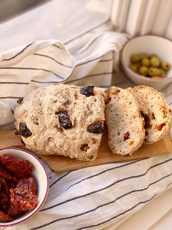 Gluténmentes mediterrán házi-kenyér